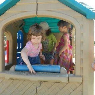 loc de joaca copii gradinita Iepurasul Bocanila